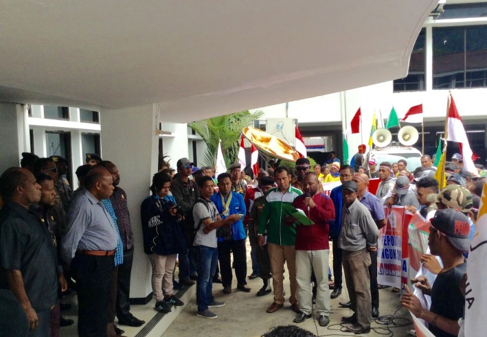Demo Freeport di Jayapura Papua - Tabloid WANI