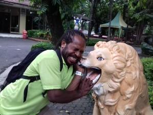 Foto Nuken di Kebun Binatang Surabaya
