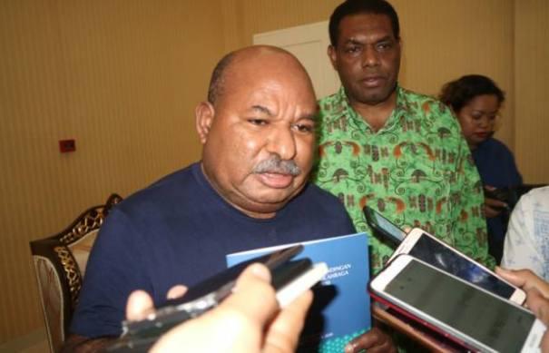 Gubernur Papua, Lukas Enembe, S.IP MH